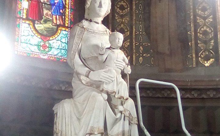 statue sainte chapelle bourbon l'archambault