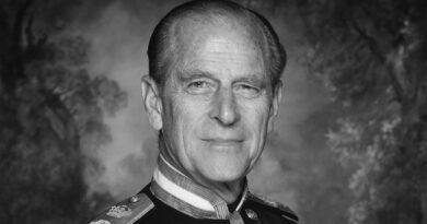 Hommage de Louis XX au prince Philippe, duc d'Édimbourg
